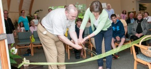 Cn. Terry Reimer of the Diocese of Maine and Ellen Parenteau, Scarborough Food Pantry Manager, cut the ribbon